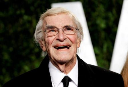 Actor Martin Landau smiles as he arrives at the 2012 Vanity Fair Oscar party in West Hollywood, California, U.S.