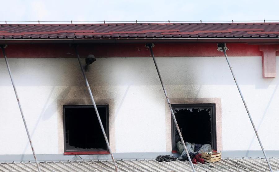 Bosnia migrant center fire