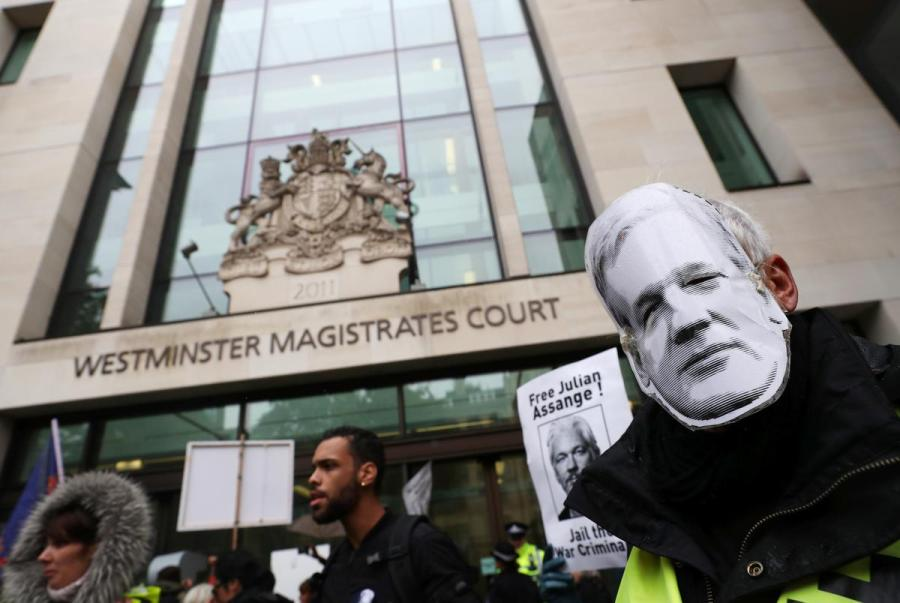 Julian Assange court hearing1