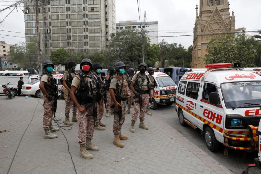 Pakistan stock exchange attack2