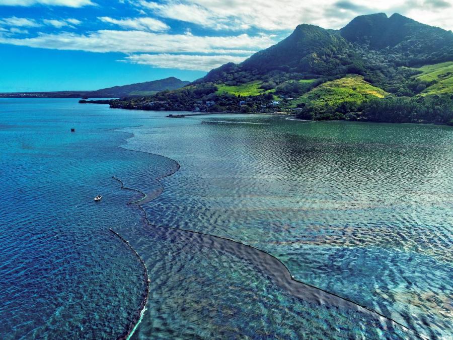 Mauritius oil spillage4
