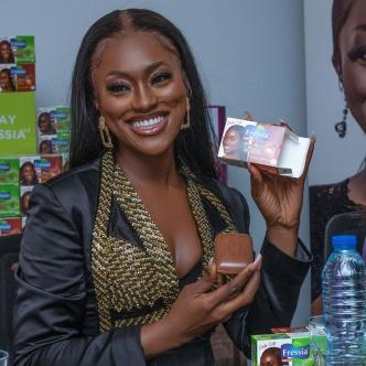 Linda Osifo Fressia Skin Glow ambassadorial deal3